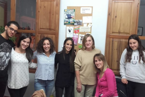 cursos intensivos B1 de inglés en Valencia - clase variada