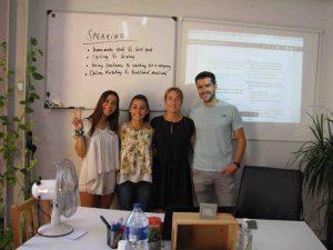 academias de inglés en valencia - clase de cuatro